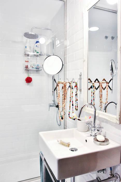 Lavabo y tocador. Foto: Patricia Gallego para Mí Casa. HEARST magazines I España. Baños de estilo clásico de decoraCCion Clásico