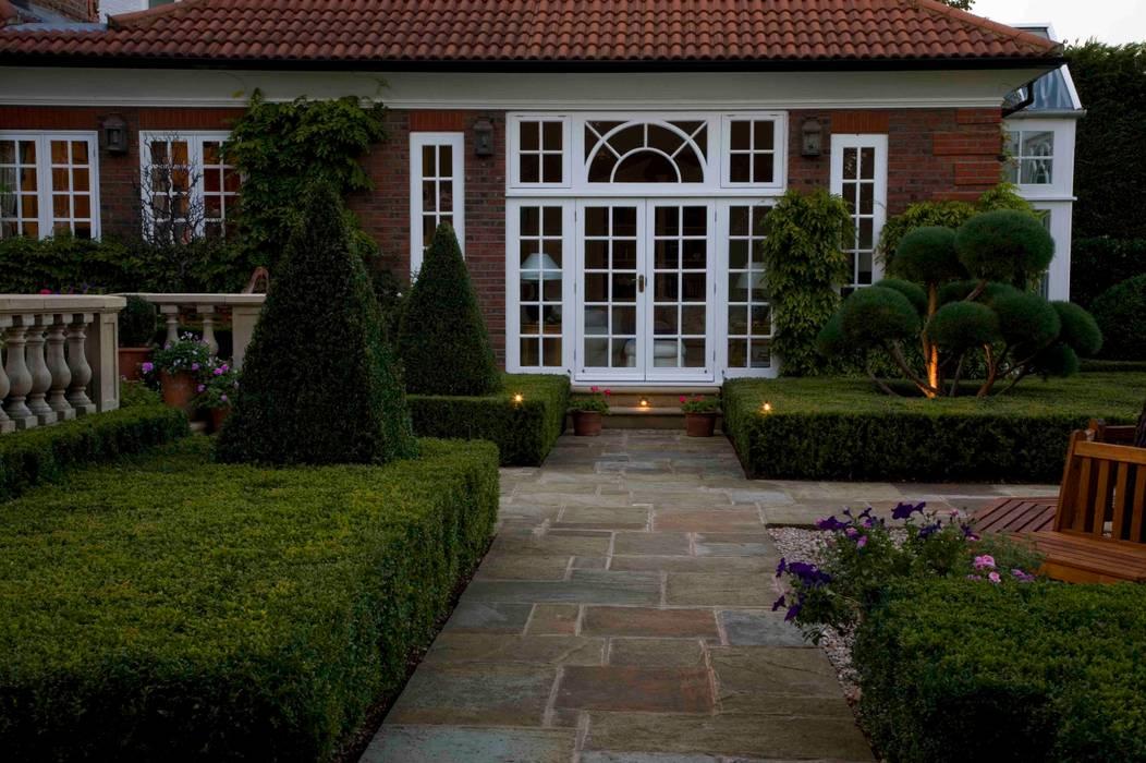 Traditional & Classic Klasik Evler Garden Landscape Design Klasik