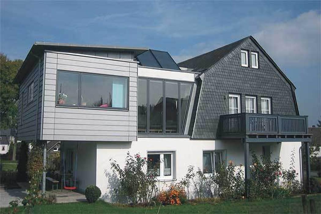 Modern home by Architekturbüro HOFFMANN Modern