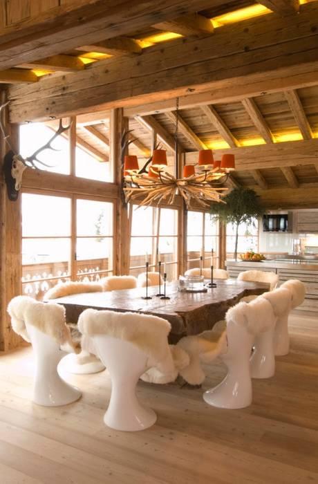 Chalet Kitzbuehel Living Esszimmer im Landhausstil von Raumkonzepte Peter Buchberger Landhaus