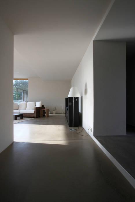 Entree + wohnen moderne wohnzimmer von architekturbüro axel ...
