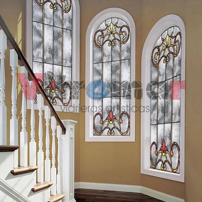 Ventanas clasicas de escalera de Vitromar Vidrieras Artísticas