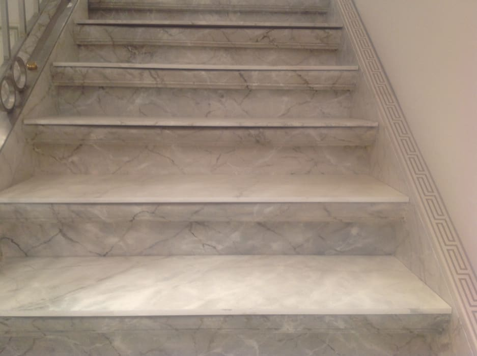 Neugestaltung eines Treppenhauses:  Flur & Diele von Illusionen mit Farbe