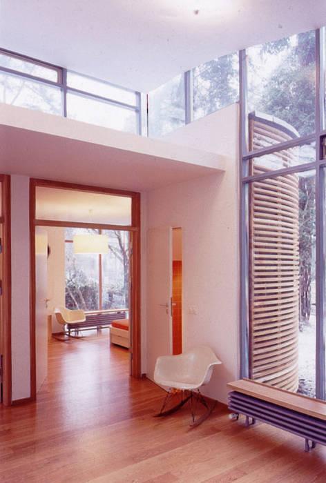 Wintergarten:  Flur & Diele von and8 Architekten Aisslinger + Bracht