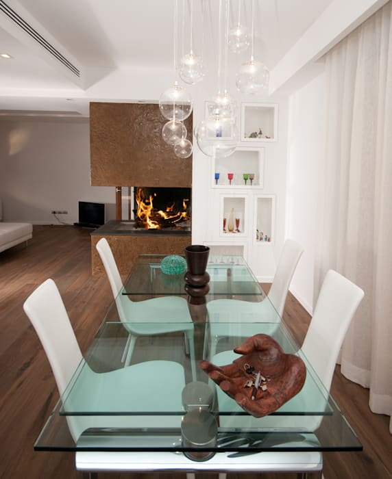 modern Dining room by LuVi ph