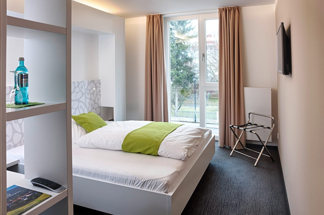 Hotelzimmereinrichtung Moderne Hotels von Tischlerei Köchert Modern