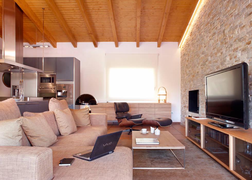 Salas / recibidores de estilo  por The Room Studio, Rústico