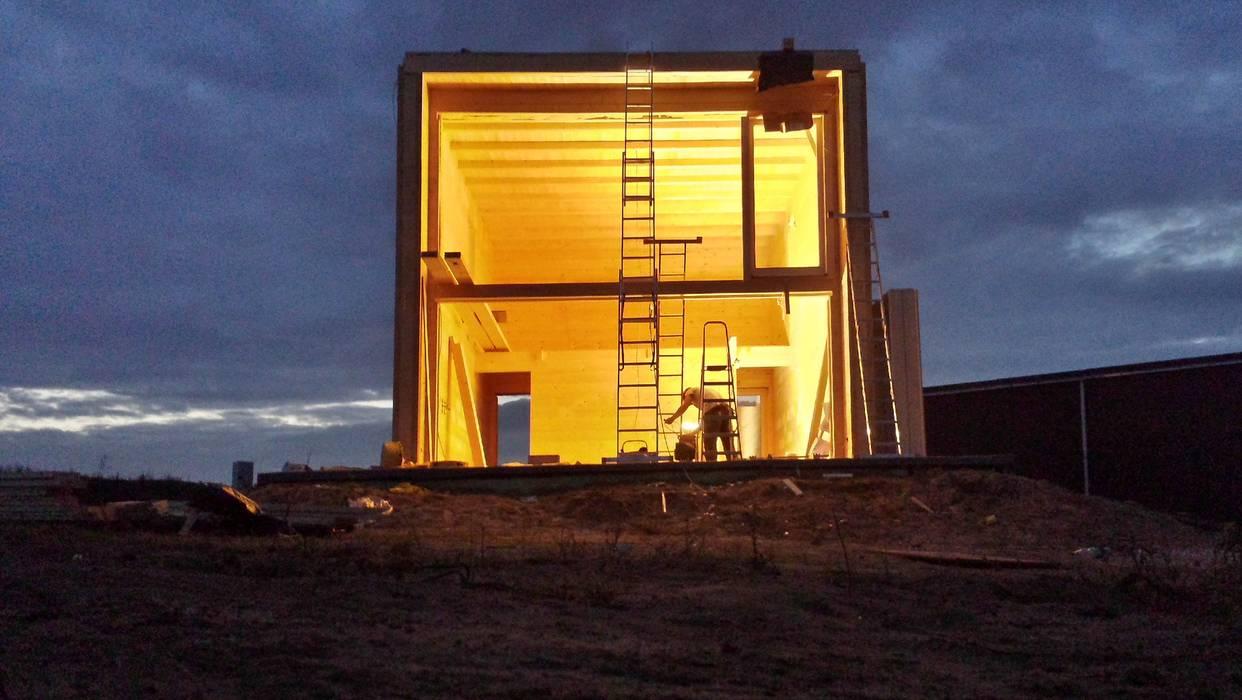 Chalet in stile  di THULE Blockhaus GmbH - Ihr Fertigbausatz für ein Holzhaus