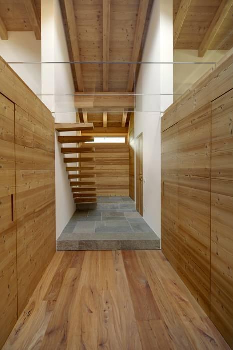 STUDIOFANETTI Eclectic style corridor, hallway & stairs