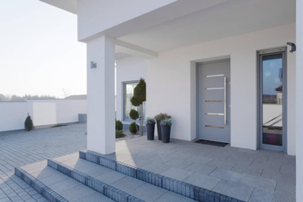 Modern windows & doors by Lichtwunder GmbH Modern