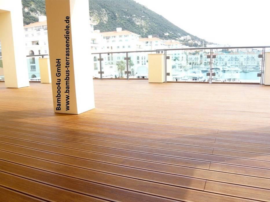 Wohnanlage in Gibralta Mediterraner Balkon, Veranda & Terrasse von Bamboo4u Mediterran