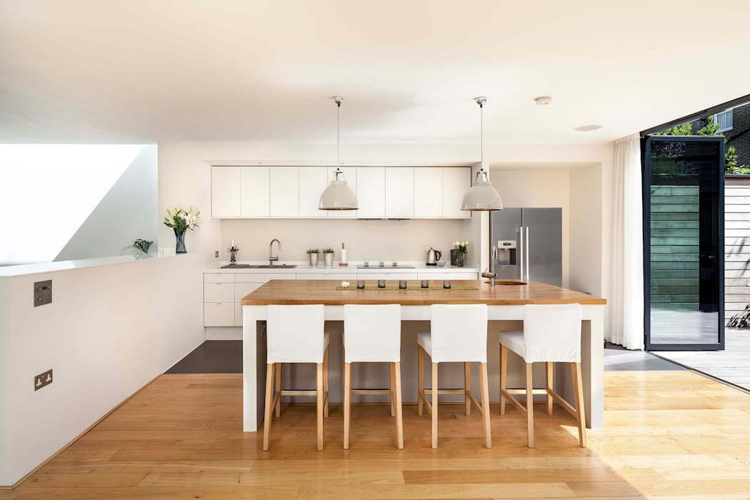 Courtyard House  -  East Dulwich:  Kitchen by Designcubed