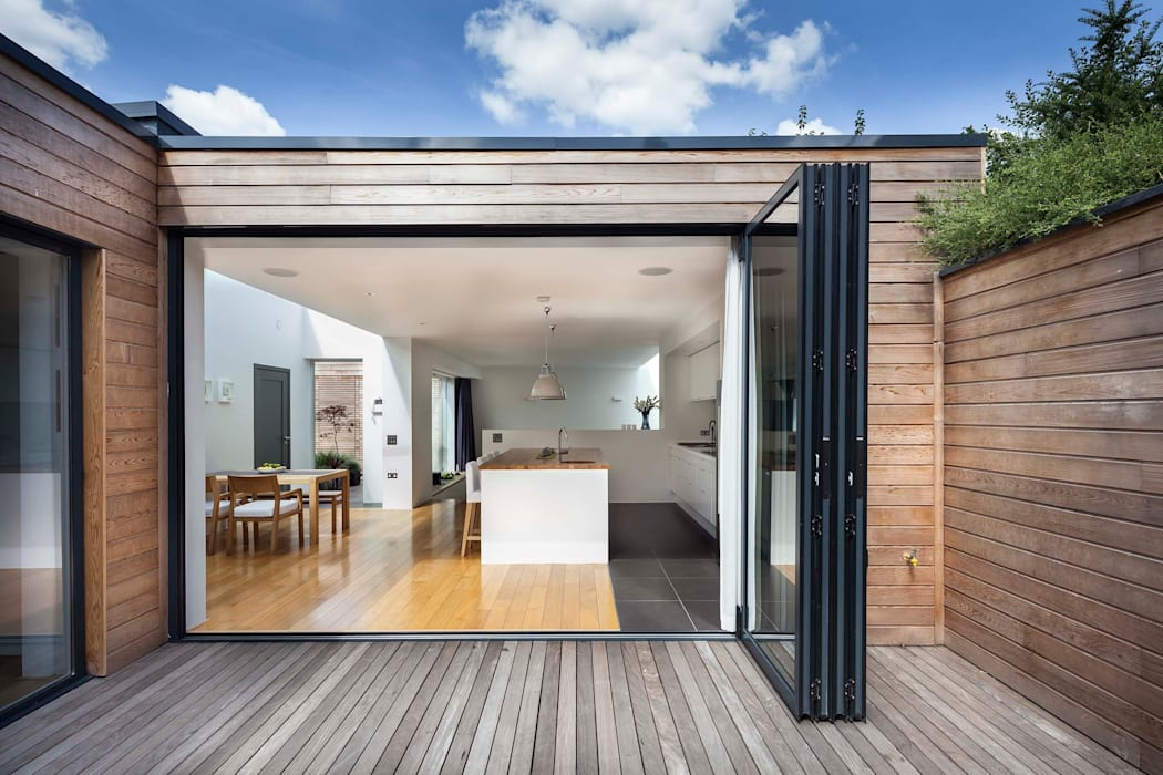 Courtyard House - East Dulwich Designcubed Balcone, Veranda & Terrazza in stile moderno