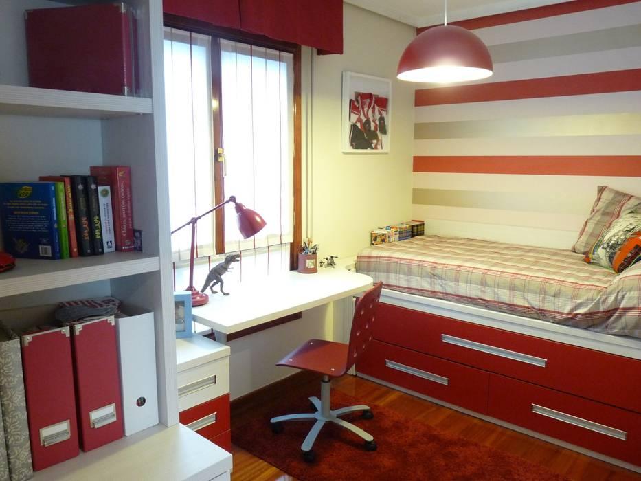 Una habitación juvenil para un joven gran seguidor del Athletic de Bilbao Dormitorios infantiles de estilo moderno de Dec&You Moderno