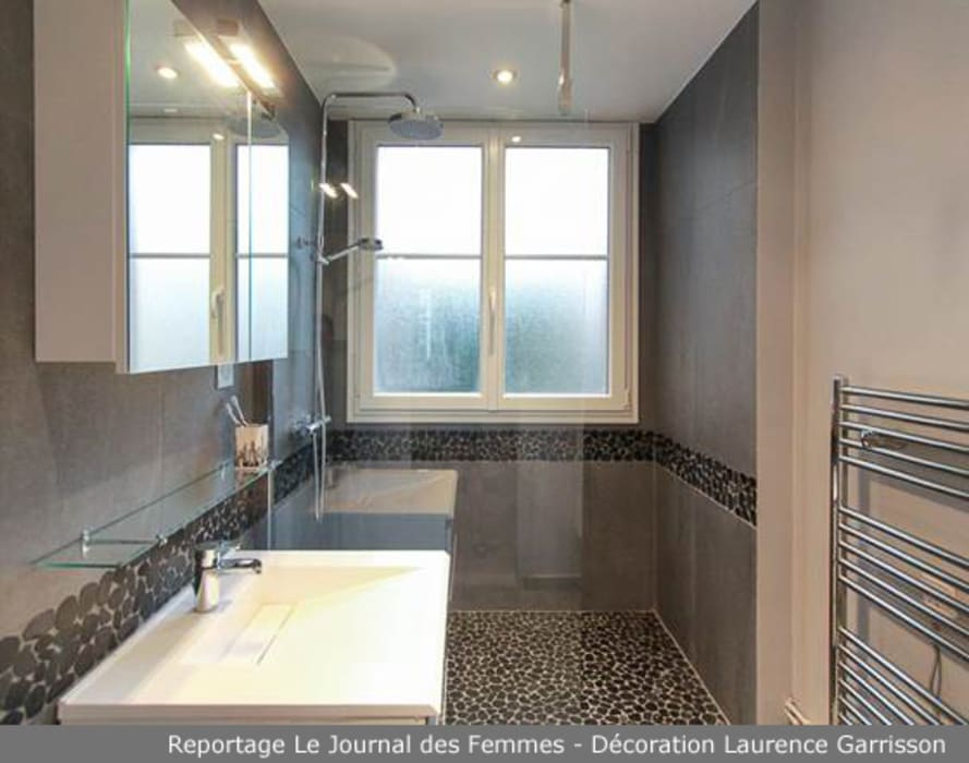 Appartement graphique masculin à Boulogne Salon moderne par La Decorruptible Moderne