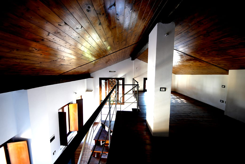 Ruang Keluarga Modern Oleh Marco Barbero Modern