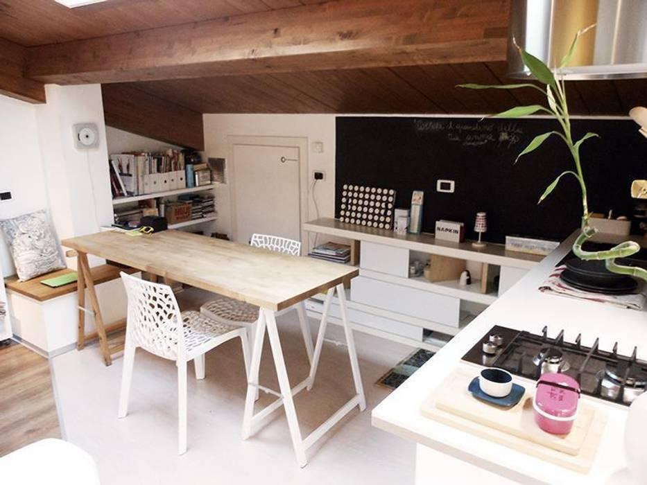 Zona pranzo Sala da pranzo moderna di Spazio 14 10 di Stella Passerini Moderno