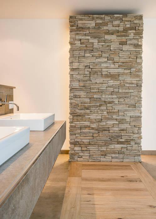 Ванные комнаты в . Автор – Pientka - Faszination Naturstein, Модерн
