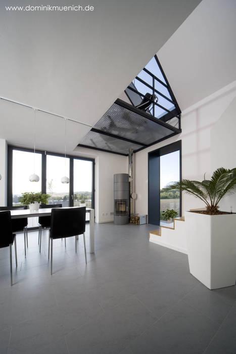 Architekturbüro Ferdinand Weber Modern dining room