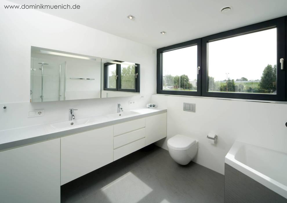 generalsanierung am pflanzgarten 20, regensburg Moderne Badezimmer von Architekturbüro Ferdinand Weber Modern