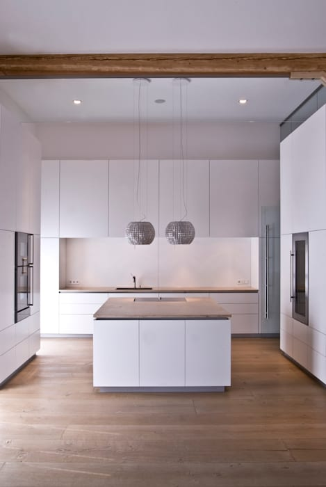 Modern kitchen by Pientka - Faszination Naturstein Modern