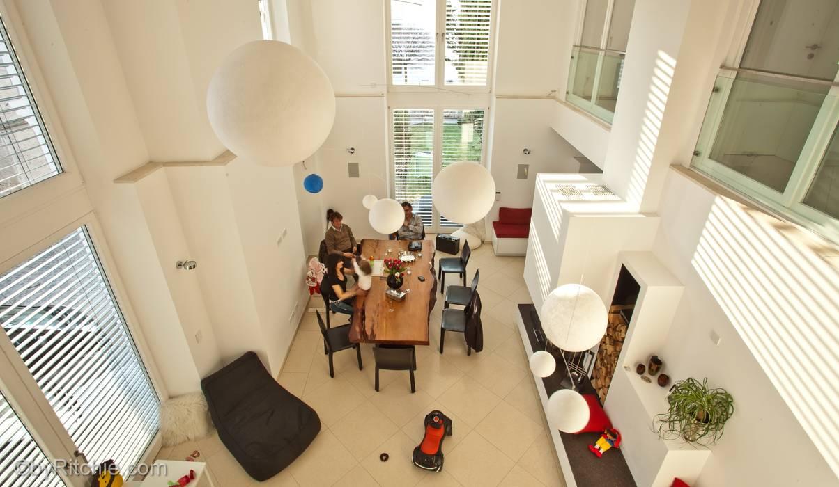 umbau und sanierung eines stadthauses in stadtamhof, regensburg:  Esszimmer von Architekturbüro Ferdinand Weber