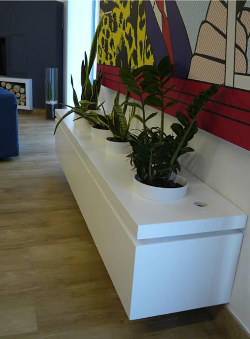 PAV flower box: modern  von d2w studio,Modern