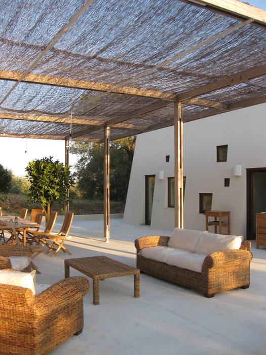 Casa al Mare, 2009 Balcone, Veranda & Terrazza di MFA Architects