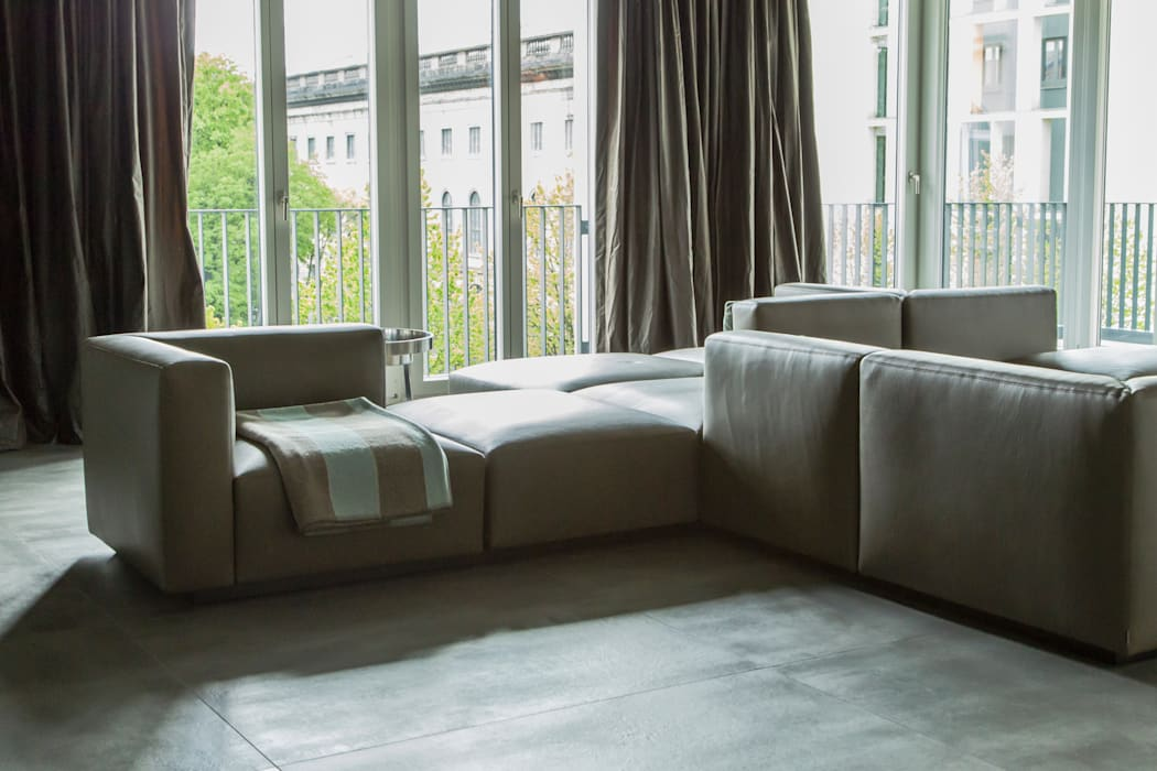 Living the life - Apartment im Herzen Berlins Conni Kotte Interior Moderne Wohnzimmer