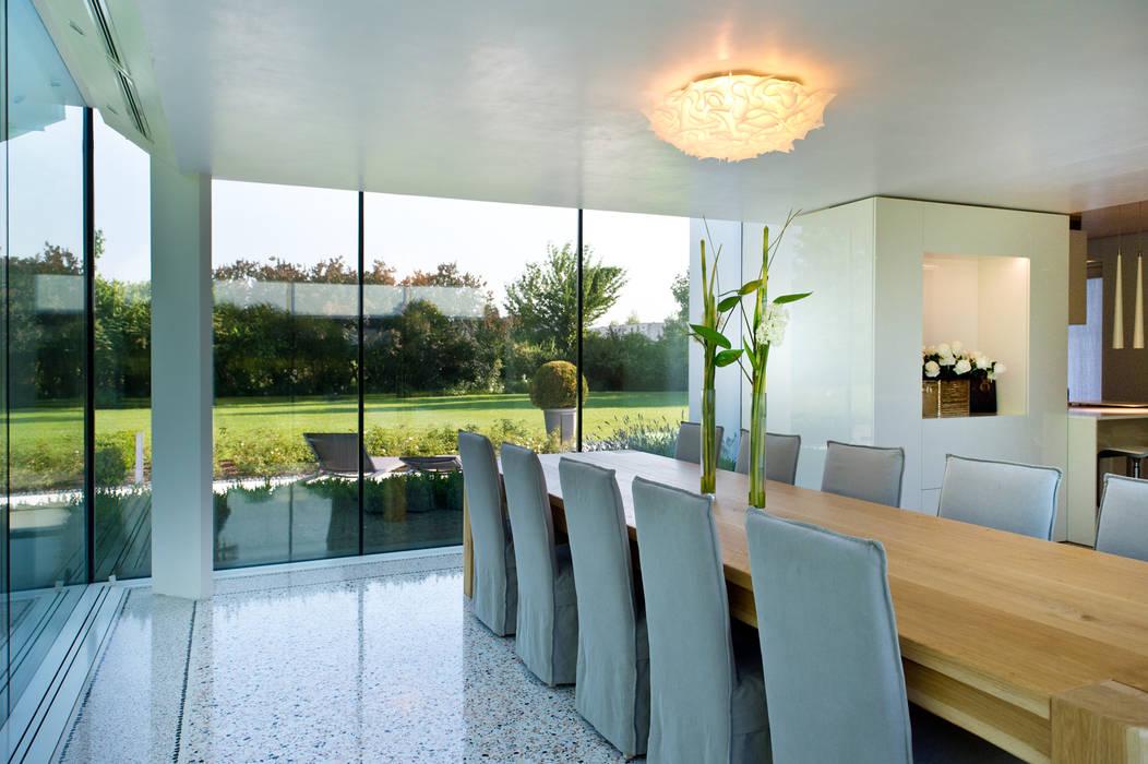 Interior design - Glass Cube Padova: Terrazza in stile  di IMAGO DESIGN