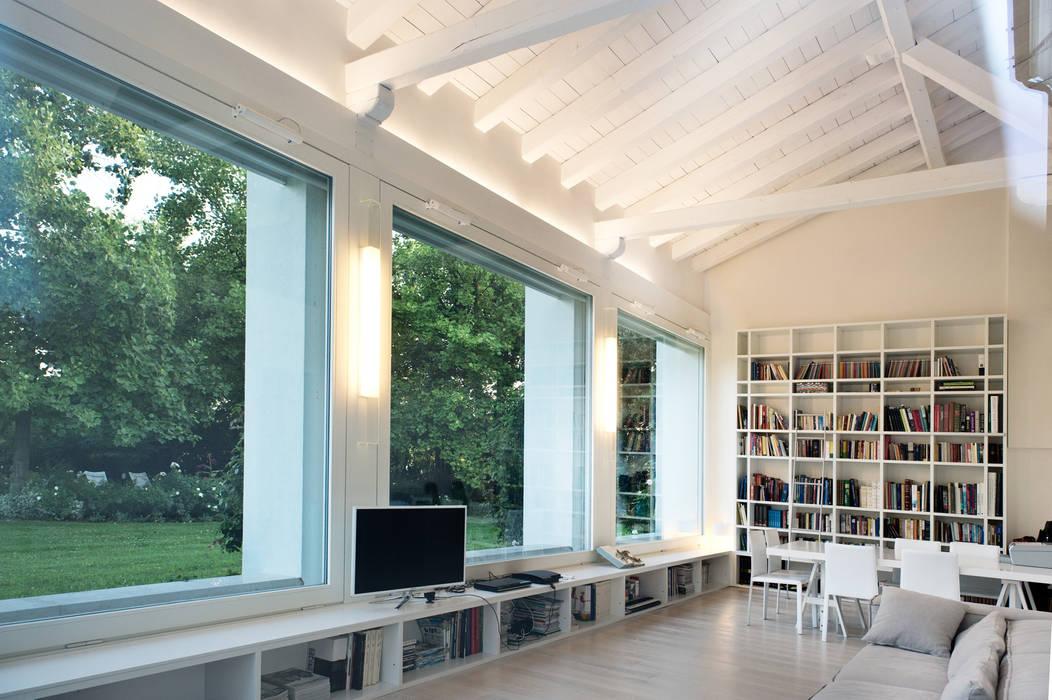 Moderner Balkon, Veranda & Terrasse von IMAGO DESIGN Modern