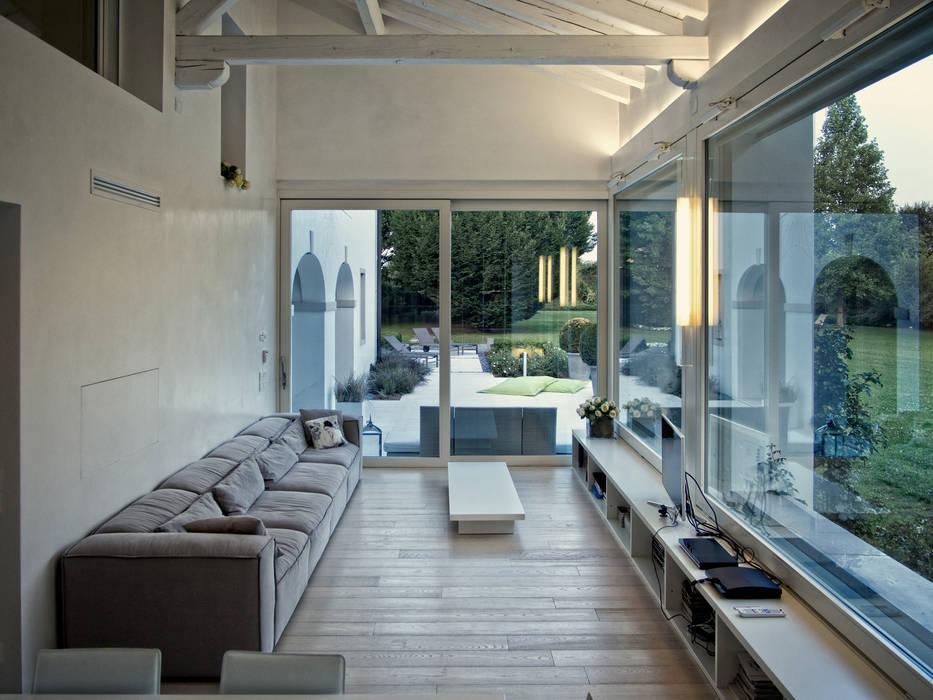 Balcon, Veranda & Terrasse modernes par IMAGO DESIGN Moderne