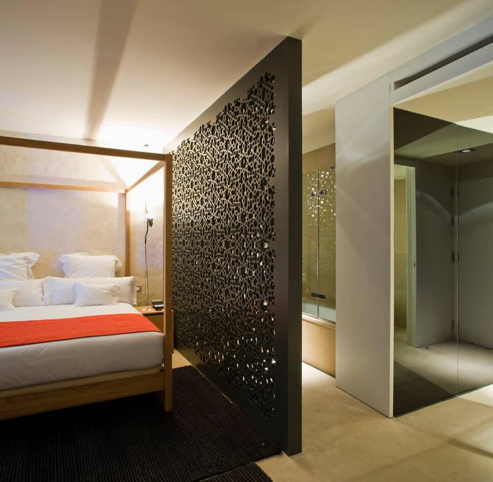 Hotel EME in Seville, Spain Eklektyczna sypialnia od Donaire Arquitectos Eklektyczny