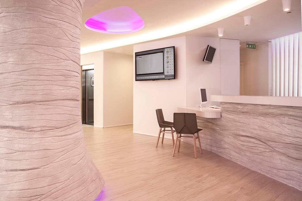 Hotel Ambassador: Hoteles de estilo  de Oscar Vidal Studio, Ecléctico