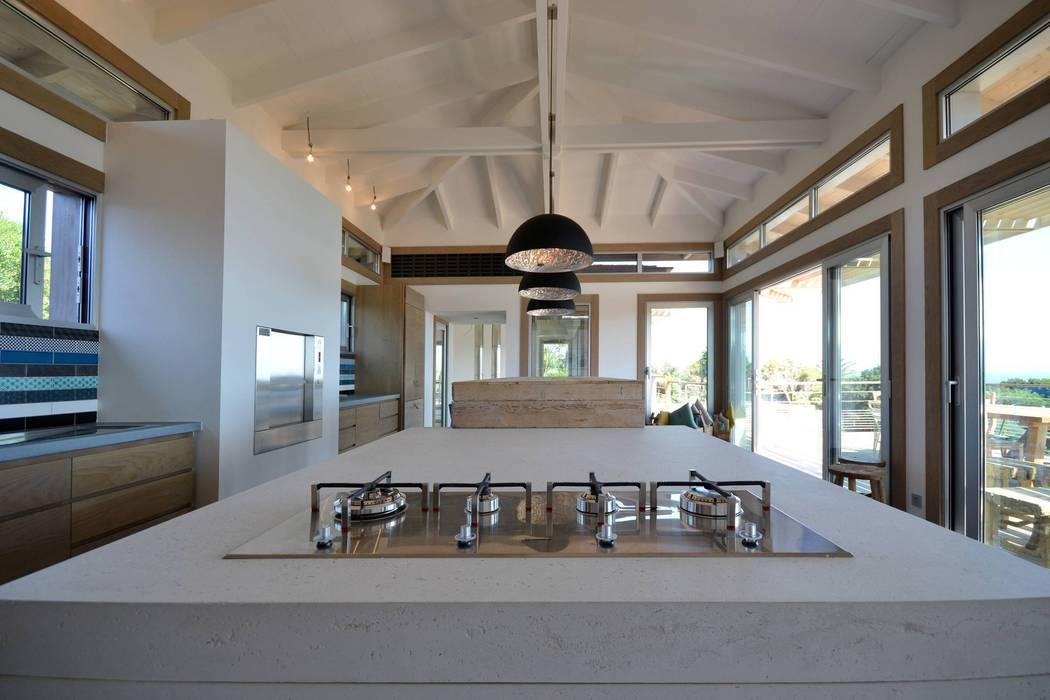 modern  by Concrete LCDA, Modern