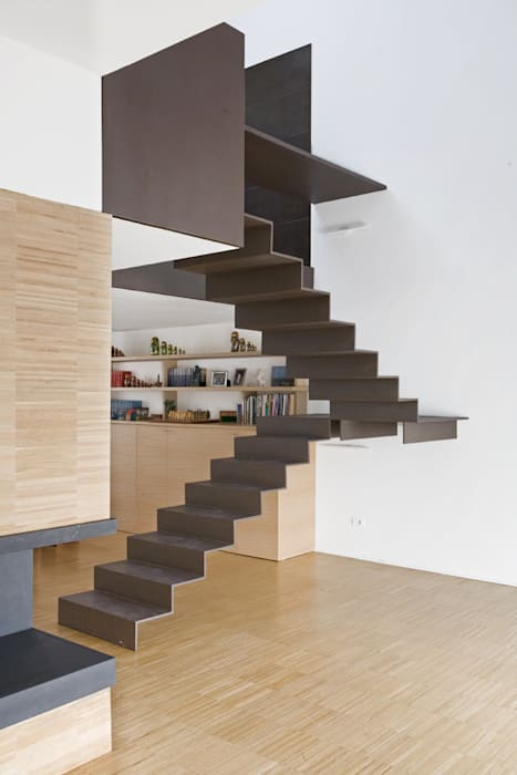 Industrial style corridor, hallway and stairs by roberto murgia architetto Industrial