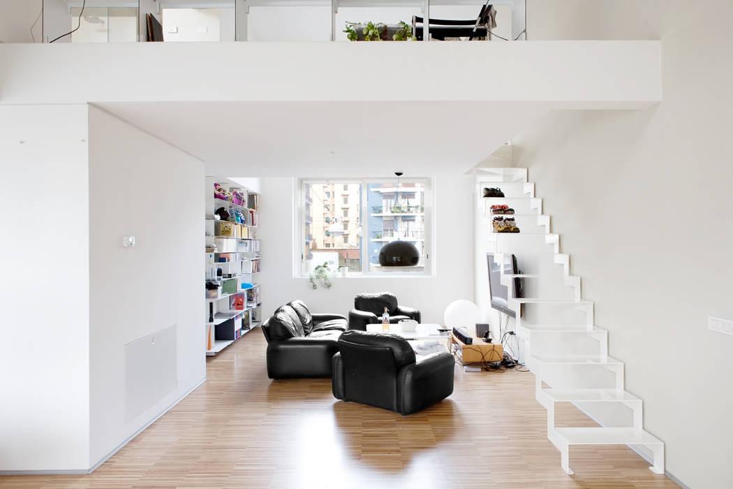 Pasillos, vestíbulos y escaleras industriales de roberto murgia architetto Industrial