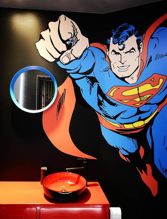 łazienka z Supermenem : styl , w kategorii Powierzchnie handlowe zaprojektowany przez TG STUDIO,Industrialny