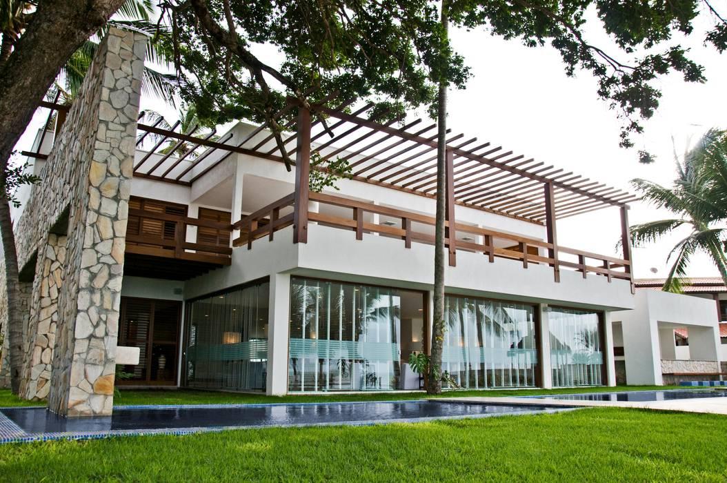 Residencia Beira mar: Casas  por Renato Teles Arquitetura
