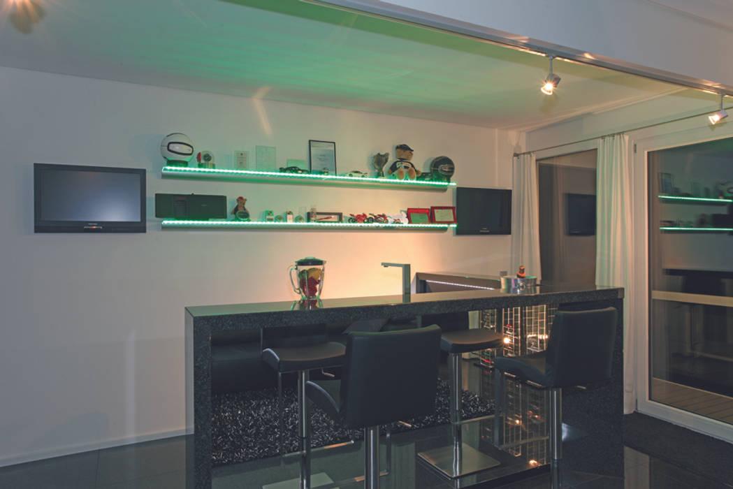 Luxus-Glashaus im Sauerland DAVINCI HAUS GmbH & Co. KG Moderne Esszimmer