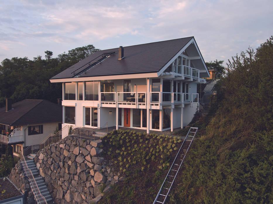 Panoramalage im Siebengebierge:  Häuser von DAVINCI HAUS GmbH & Co. KG