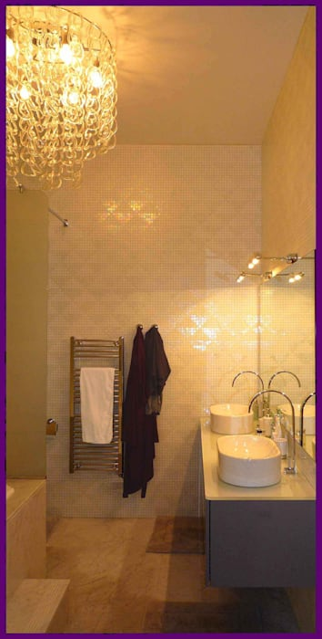 www.karineperez.com: Salle de bains de style  par Agence KP