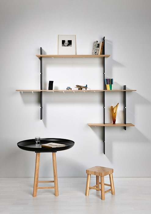 Delica Living roomShelves