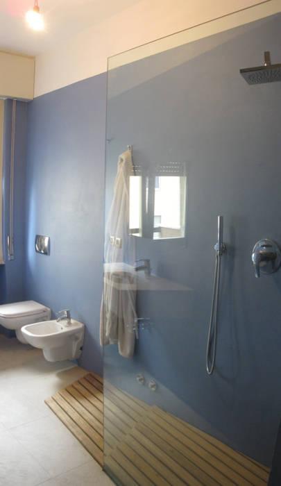 ARKHISTUDIO Modern bathroom