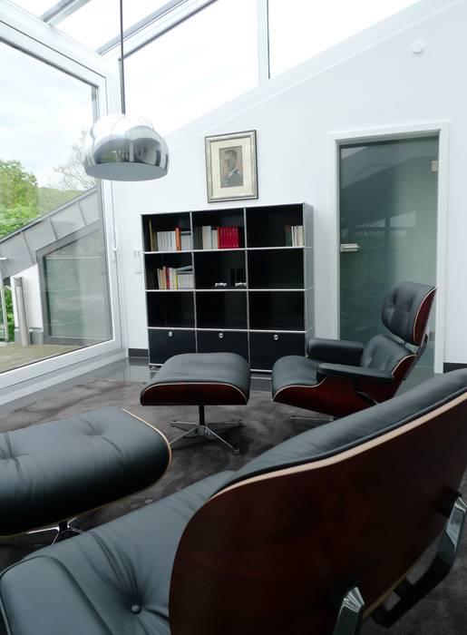 Penthouse in Saarbrücken:  Wohnzimmer von Bolz Licht & Wohnen