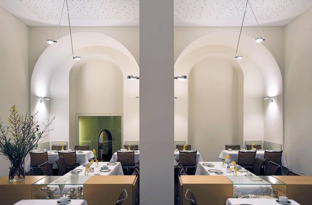 Frühstücksraum:  Geschäftsräume & Stores von Marius Schreyer Design