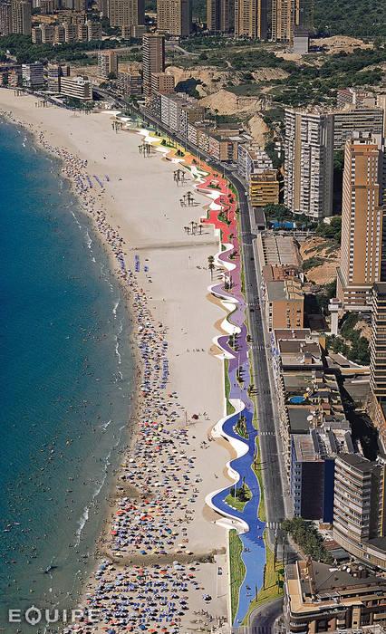 Sfera, Circular floor tile. Beach Promenade Benidorm Centros comerciales de estilo moderno de Equipe Ceramicas Moderno