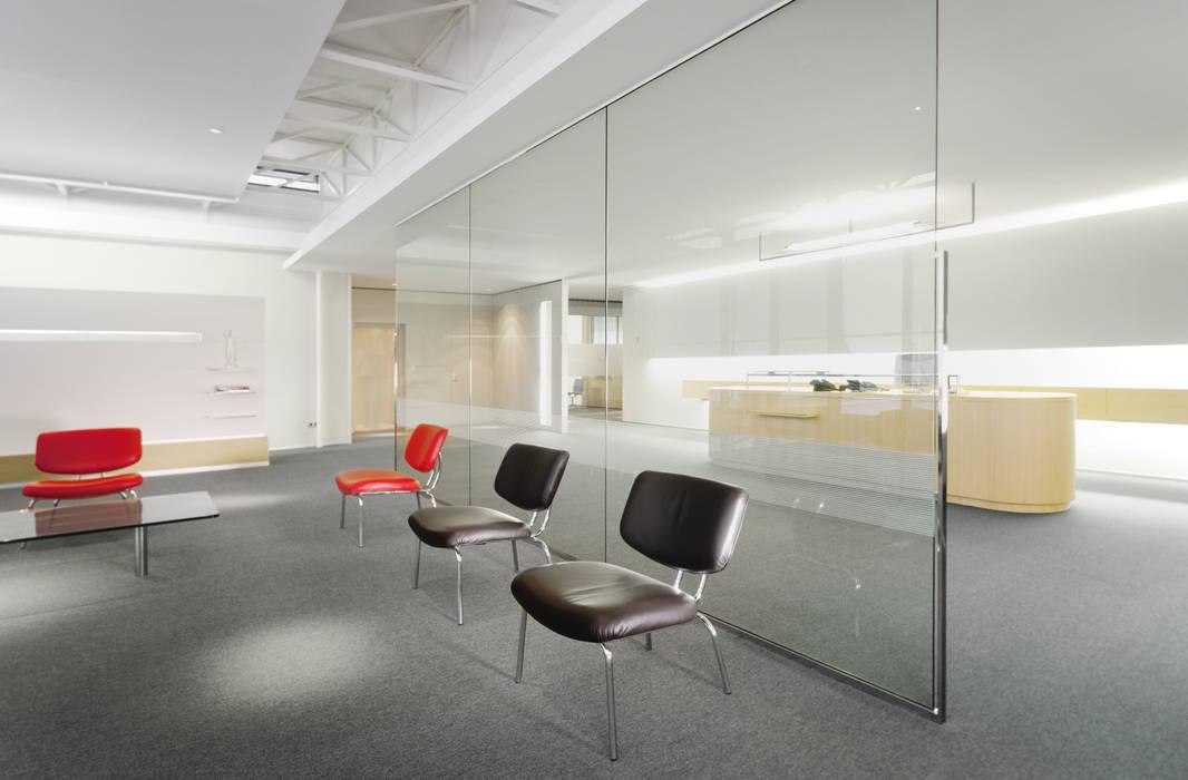 Zahnarztpraxis Dr. Lex, Nürnberg:  Geschäftsräume & Stores von Marius Schreyer Design
