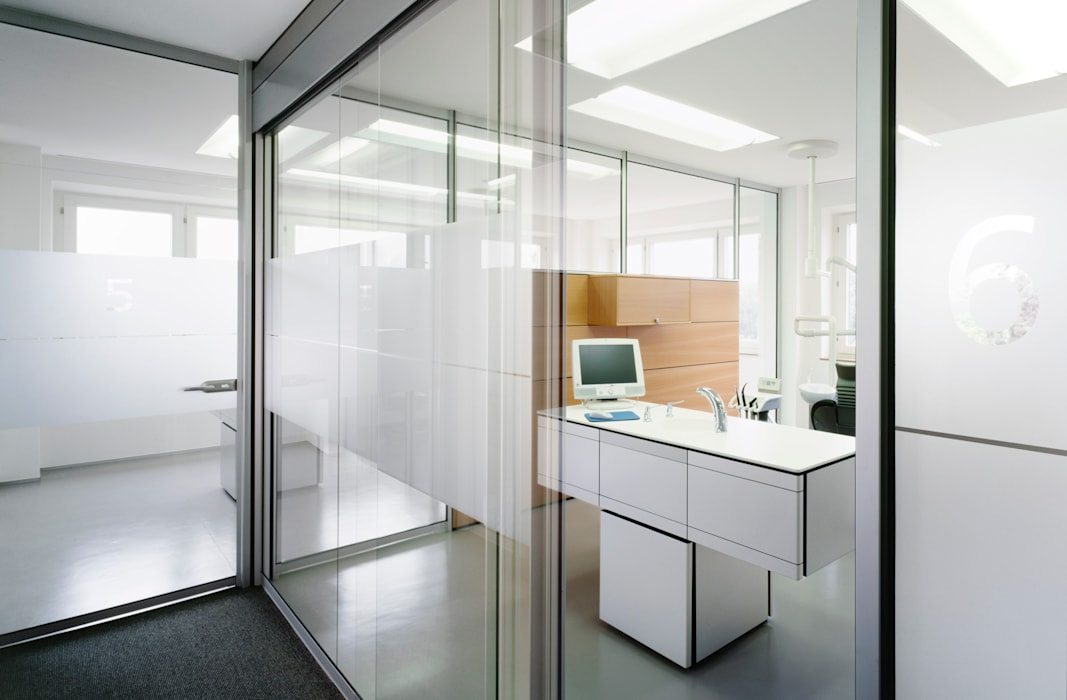 Zahnarzt Dr. Lex, Nürnberg:  Geschäftsräume & Stores von Marius Schreyer Design