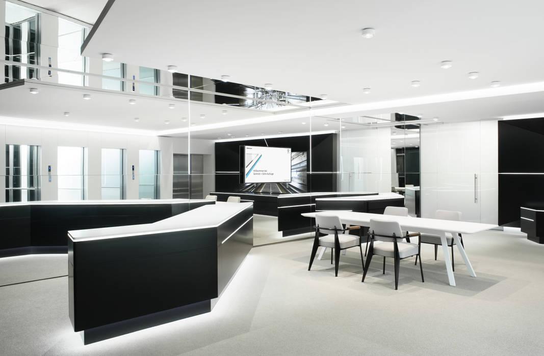 Schmitt+Sohn Aufzüge, Showroom Forum Produkt:  Geschäftsräume & Stores von Marius Schreyer Design